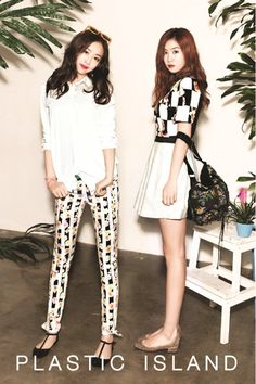 Sistar - Soyu and Dasom Come visit kpopcity.net for the largest discount fashion store in the world!!