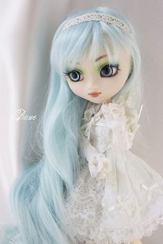 Beautiful Pullip with blue hair.