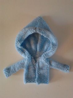 Front view doll hoodie for blythe or pullip pattern by nxtdrgrrl Knitting 10th October 2013