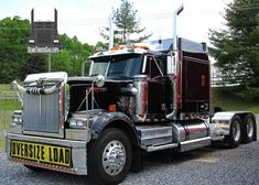 View pictures of Western Star Trucks, plus check out photos of many other brands of semi trucks as well Western Star Trucks, Semi Trucks, Rigs, Westerns, Stars, Pictures, Trucks, Photos, Wedges