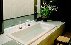 Amansara - Spa Treatment Room & Bath © Amanresorts. #cambodia