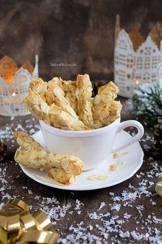 Plätzchen für Weihnachten mit Marzipan