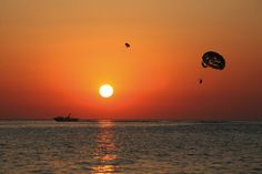 Parasailing in Ibiza. Calo des Moro