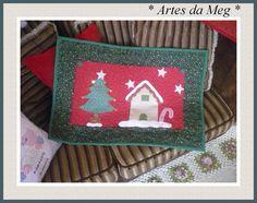 Tapete natalino confecionado com tecidos 100% algodão. R$59,00