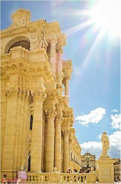 Sunny Sicilian Baroque: Ortigia, a small island off the coast of Siracuse. #siracusa