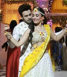 Tv Show Couples, Cute Couples Photos, Couples Images, Wedding Couple Poses, Couple Posing, Wedding Couples, Bollywood Actress Hot, Bollywood Stars, Tv Actors