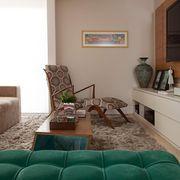 Sala de estar com cadeira Estampada