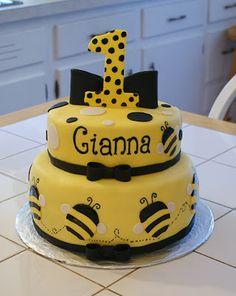Bumble Bee Cake #cakesbymeg