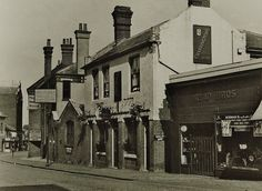 The White Horse pub on Goods Station Road in 1954. Image from the National Brewery Heritage Trust's collection.
