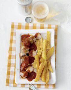 Currywurst mit selbstgemachten Pommes - Klassiker mit Kartoffeln - [LIVING AT HOME]