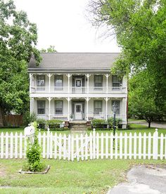1000 Images About That Old House On Pinterest Farmhouse