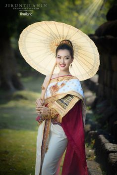 Thai wedding dress: The national costume of Thailand | THAILAND 🇹🇭 Traditional Fashion, Traditional Outfits, Thai Wedding Dress, Wedding Dresses, Thailand National Costume, Thai Dress, Beautiful Asian Girls, Poster, Costumes