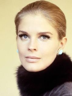 Candice Bergen Beautiful Close Up Portrait Circa 1970 Photo cm approx Candice Bergen, Classic Hollywood, Old Hollywood, Beauté Blonde, Beauty Hacks Nails, Selfies, Vintage Nails, Close Up Portraits, Pretty Eyes
