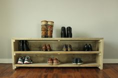 Schuhregal / Schuhschrank aus altem Bauholz