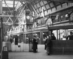Edinburgh Princes Street Station. (1870 - 1965)
