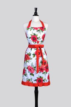 Classic Womens Retro Apron - Large Red Poppy Floral Vintage Style Kitchen Woman Apron with Lined Pockets and Fitted Bodice by CreativeChics