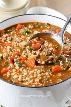 This homemade beef barley soup can be made ahead of time and freezes well making it the perfect family dinner! This homemade beef barley soup can be made ahead of time and freezes well making it the perfect family dinner! Weight Loss Vegetable Soup Recipe, Vegetable Soup Recipes, Beef Recipes, Cooking Recipes, Healthy Recipes, Homemade Vegetable Beef Soup, Weight Loss Soup, Cooking Ham, Beef Tips