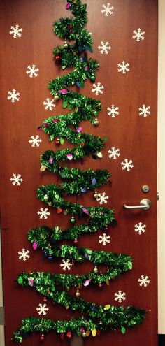 Cute Decorations for your Christmas door