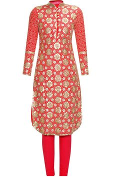 Red floral pattern sequins embroidered straight kurta set available only at Pernia's Pop Up Shop.#perniaspopupshop #shopnow #anushkakhanna#partyseason #happyshopping #designer #clothing #festive #weddings