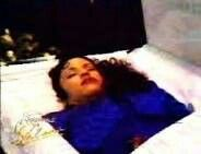 Selena Quintanilla in Her Casket Selena Quintanilla Perez, Death Pics, Peace At Last, Celebrities Who Died, Selena Pictures, Post Mortem Photography, Famous Graves, Celebrity Deaths, Entertainment