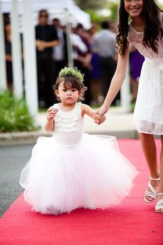 adorable flower girls inspiration -- pin now, shop later! Had to share! #myfauxdiamond #brides