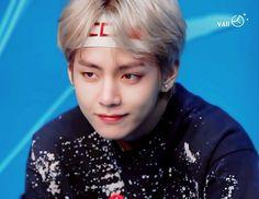 Credit to photo's owner. Repost by Rain. Do not delete. Hoseok, Seokjin, Namjoon, Kpop, Bts Face, Kim Taehyung, First Girl, South Korean Boy Band, Boy Bands