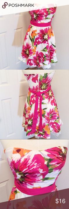 Ruby Rox floral strapless dress size 9 Fun colorful strapless dress, Jr size 9, zips up back and ties in back, light built in bra, Spring break, summer, cruise wear Ruby Rox Dresses