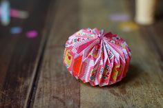 DIY-origami-ball-003