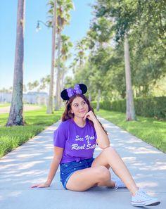 Disney Trips, Disney Parks, Walt Disney World, Solo Photo, White Converse, Disney Fashion, Universal Pictures, Disneybound, Disney Style