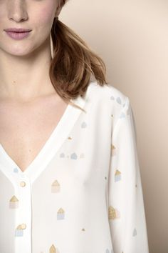 Silk blouse with house print in gold, blue and pink - des petits hauts