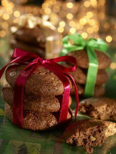Miękkie pierniczki orzechowe Cannoli, Christmas Baking, Truffles, Gift Wrapping, Sweets, Snacks, Cookies, Gifts, Food