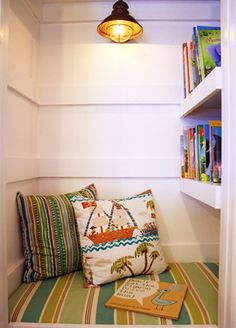 10 Charming Reading Nooks | Closet Reading Nook