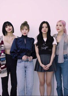 South Korean Girls, Korean Girl Groups, Blackpink Poster, Mileena, Black Pink Kpop, Blackpink Photos, Blackpink Fashion, 2ne1, Jennie Blackpink