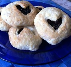 Eccles Cakes, quick and easy to make traditional English tea tray item #downtontea #foodie #downtonpbs