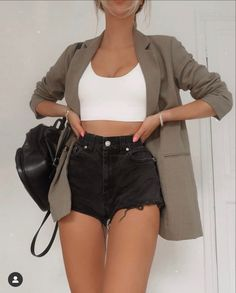Trendy Summer Outfits, Cute Casual Outfits, Short Outfits, Stylish Outfits, Simple Outfits, Teen Fashion Outfits, Retro Outfits, Look Fashion, Girl Outfits