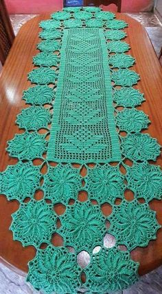 This Pin was discovered by BożOval crochet doily, new hand cBeautiful Brand New Large Flowers Crochet Table Runner Pattern, Crochet Edging Patterns, Crochet Blocks, Crochet Squares, Crochet Motif, Crochet Flower Hat, Crochet Dollies, Thread Crochet, Filet Crochet