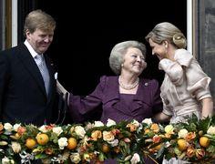 LIVE: Beatrix afgetreden, Willem-Alexander nieuwe koning :: nrc.nl