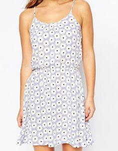 Image 3 ofVero Moda Petite Daisy Print Cami Dress