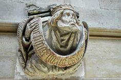 Le petit transept - Chapelle Saint-Jean-de-Bourbon (XVe) - Cul-de-lampe .Abbaye de Cluny - Bourgogne