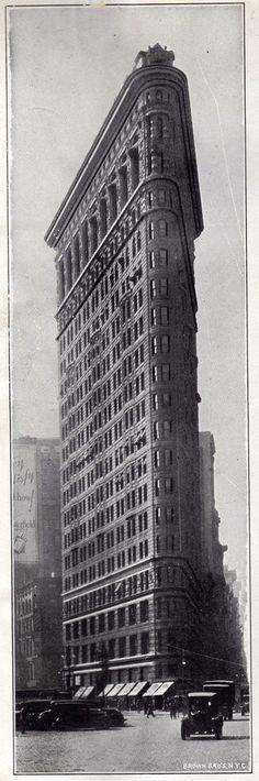 Flatiron Building 1924