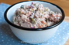 Slanke tonijnsalade Slender tuna salad with egg, pickle, capers and Greek yogurt – kitchen love A Food, Good Food, Food And Drink, Yummy Food, Healthy Dishes, Healthy Recipes, Healthy Food, I Want Food, Go For It