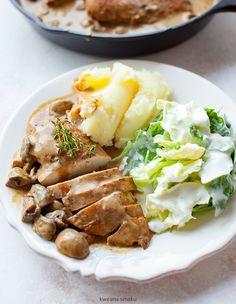 Filety z kurczaka w sosie pieczarkowym Polish Recipes, Polish Food, Snack Recipes, Snacks, Fast Dinners, Poultry, Mashed Potatoes, Main Dishes, Chicken Recipes