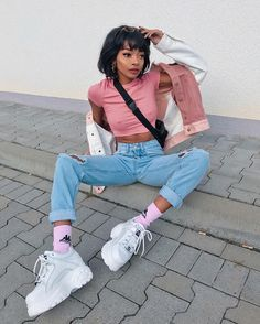A throwback to favourite looks 👀 now it's hard to take outfit pics as it's so cold outside ❄️❄️ Mode Outfits, Girl Outfits, Fashion Outfits, Womens Fashion, Aesthetic Fashion, Aesthetic Clothes, Buffalo Shoes, Nyane Lebajoa, Ebony Models