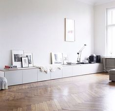 Home Decor – Living Room : long clean white storage – Ikea Besta may work for this look -Read More – Source by contact_DecorHome Home Living Room, Living Room Decor, Living Spaces, Living Area, Dining Room, Living Room Inspiration, Interior Inspiration, Interior Decorating, Interior Design