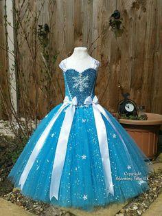 Disney Frozen Elsa Inspired Super Sparkly Tutu by BloomingTutusUK Frozen Elsa Dress, Disney Frozen Elsa, Disney Tutu, Fancy Dress, Dress Up, Robes Tutu, Girls Dresses, Flower Girl Dresses, Disney Princess Dresses
