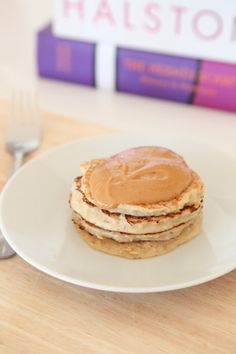 Healthy Flourless Hotcakes - Made with oats & Greek yogurt!