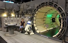 Star Wars Decor, Star Wars Art, Star Citizen, Star Wars Zimmer, Star Wars Bedroom, Spaceship Interior, Sci Fi Environment, Star Trek Starships, Millenium Falcon