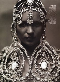 US Vogue October 1999, Puffy Takes Paris Kate Moss by Annie...
