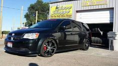 Dodge grand caravan sxt aftermarket parts lowered rims blacked out Mustang Wheels, Car Wheels, Grand Caravan, Dodge Caravan Rt, Dodge Van, Vanz, Men's Vans, Rims For Cars, Bicycles