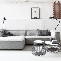Uncommon Article Gives You the Facts on Black Sofa Living Room Decor Inspiration That Only a Few People Know Exist - namaapa Living Room Sofa, Living Room Interior, Home Living Room, Living Spaces, Canapé Design, Sofa Design, Furniture Design, Salon Furniture, Grey Sofa Inspiration